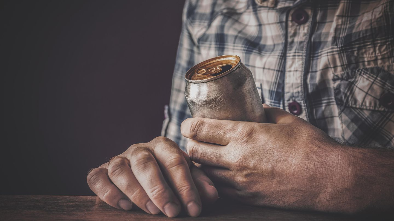 vietnam mann nach 15 dosen bier von