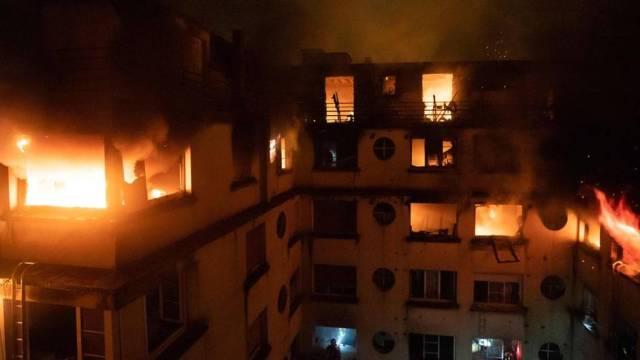 Paris: Mindestens acht Menschen sterben bei Wohnhausbrand – Frau festgenommen