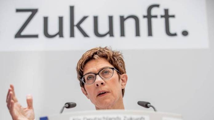 AKK invites CDU members to a conference via fax - and the internet is laughing a joke