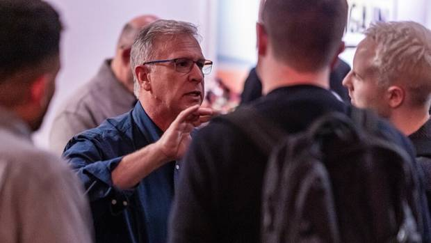 star editor Christoph Fröhlich (right) in conversation with Apple's global marketing chief Phil Schiller.