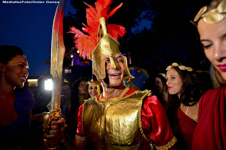 Imagini pentru carnavale făcute de mazare