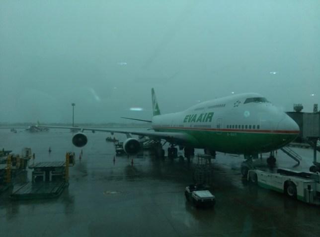 fly01 201503飛香港也有商務艙喔 怎麼這麼好