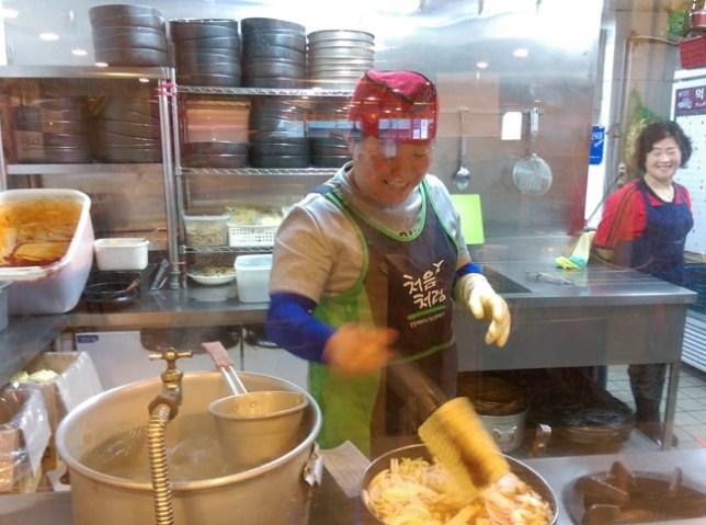 07 Seoul-吃休錢走 年糕鍋 傳統口味好吃好吃