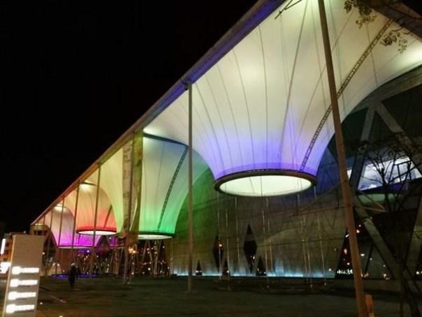 111102 鳳山-大東文化藝術中心 大漏斗造型點上燈更吸睛