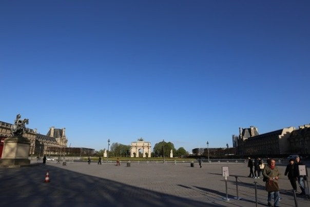 11111002 Paris-巴黎羅浮宮Musee du Louvre 藝術殿堂眼花撩亂看不完 一馬當先看蒙娜麗莎