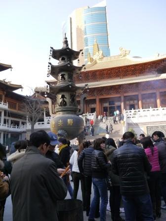 1358695653-2602781077-e1439307708210 Shanghai-靜安寺 精華區中的寺廟