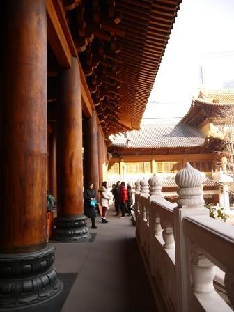 1358695656-3931325984-e1439307631688 Shanghai-靜安寺 精華區中的寺廟