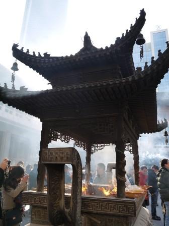 1358695660-1361713473-e1439307524399 Shanghai-靜安寺 精華區中的寺廟