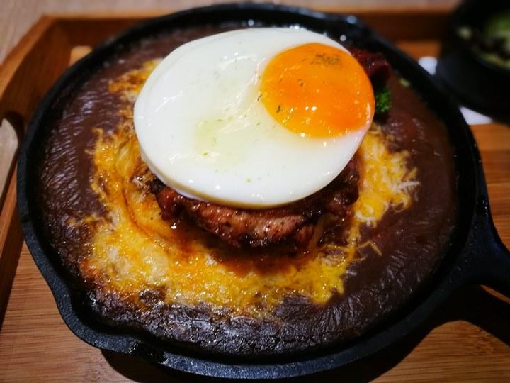 howcup10 中壢-好咖 可愛路線冷冷冬天好選擇 燒咖哩羊肉湯還有好吃的甜點