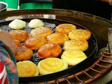 Seoul-首爾街頭小吃糖餅 外酥內甜 天冷好夥伴