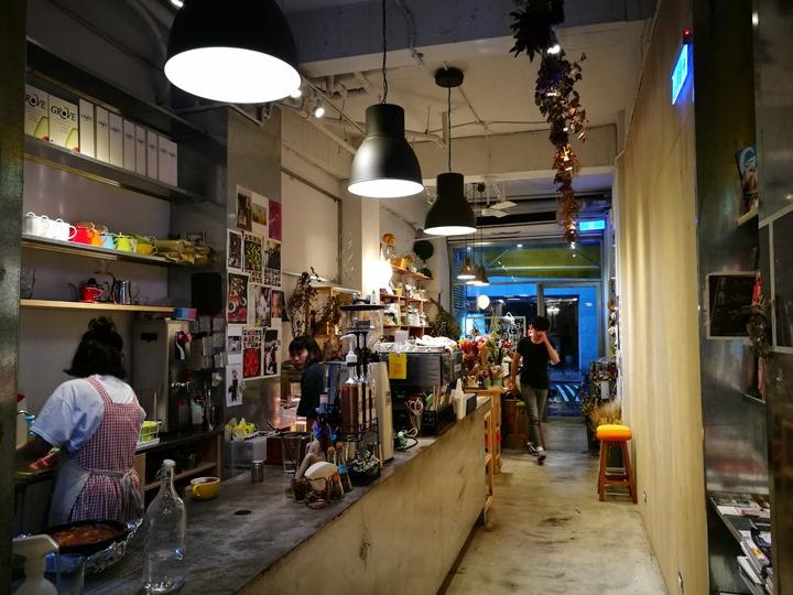 IMG_20170704_164255 大安-Very Good Cafe輕鬆舒適拈花惹草的咖啡空間