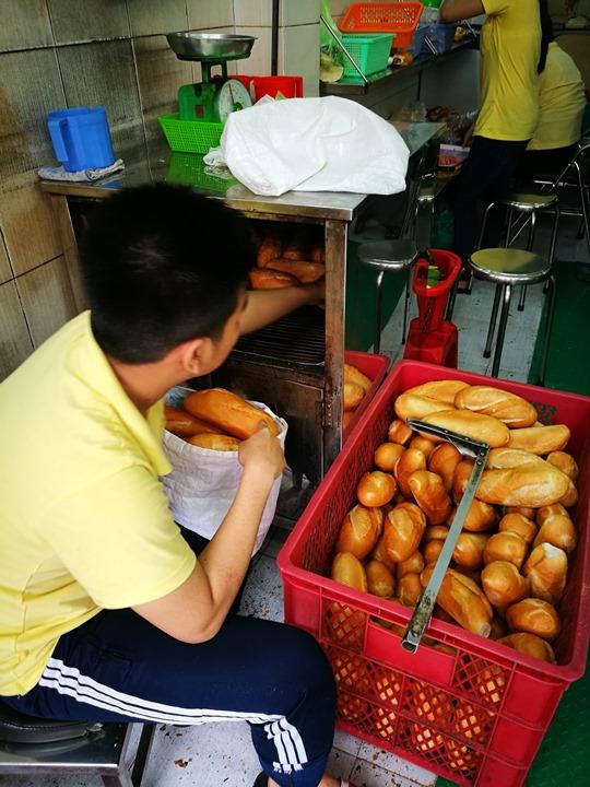 banh-mi03 HoChiMinh-Banh Mi Huynh Hoa迷人的滋味 讓人想念的越式三明治