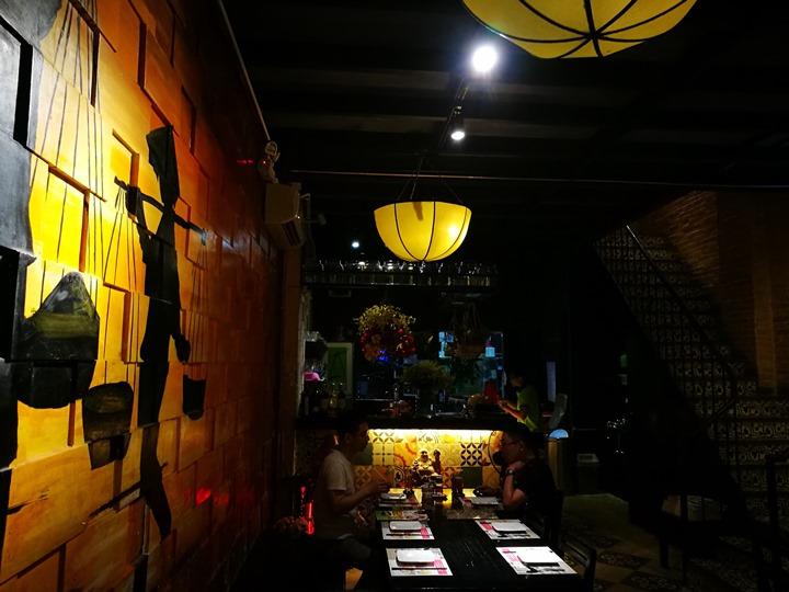 ganh03 HoChiMinh-Gánh胡志明正宗越南餐廳 燈光美氣氛佳食物普通而已 哈
