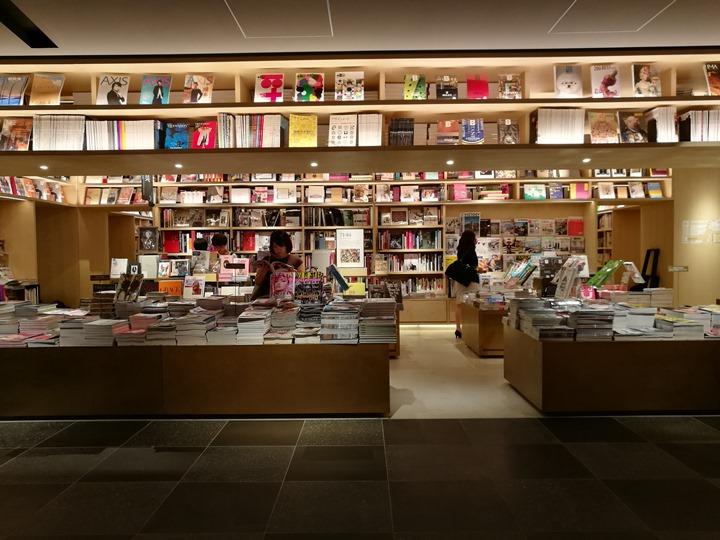 gsixtsutayabook11105 Ginza-銀座最新購物商場 GSIX櫃櫃都美 蔦屋書店 始終美麗的設計書店
