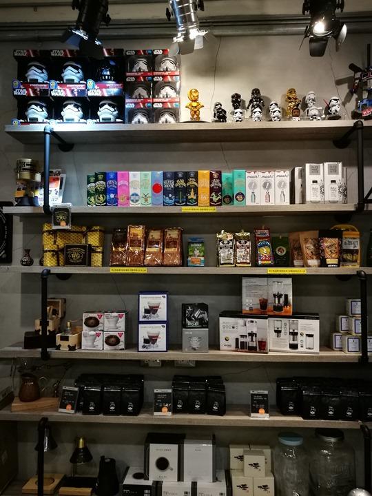 twoha09 桃園-二哈咖啡 小巷內超級英雄陪你一起喝咖啡