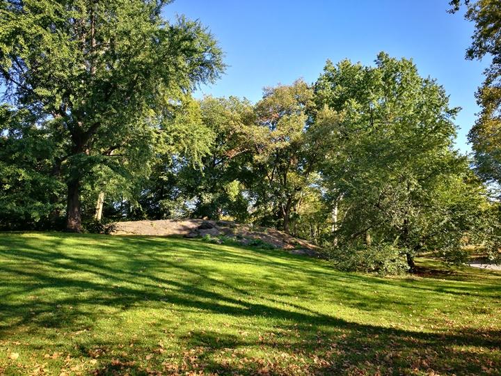 centralpark31 New York-果真大蘋果之紐約真好玩 中央公園 躺著曬太陽也愜意的好所在
