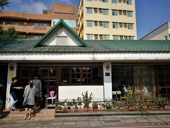 sidewalk01 中壢-人行道蔬食 沒有肉也美味 中大後門原來美食很多