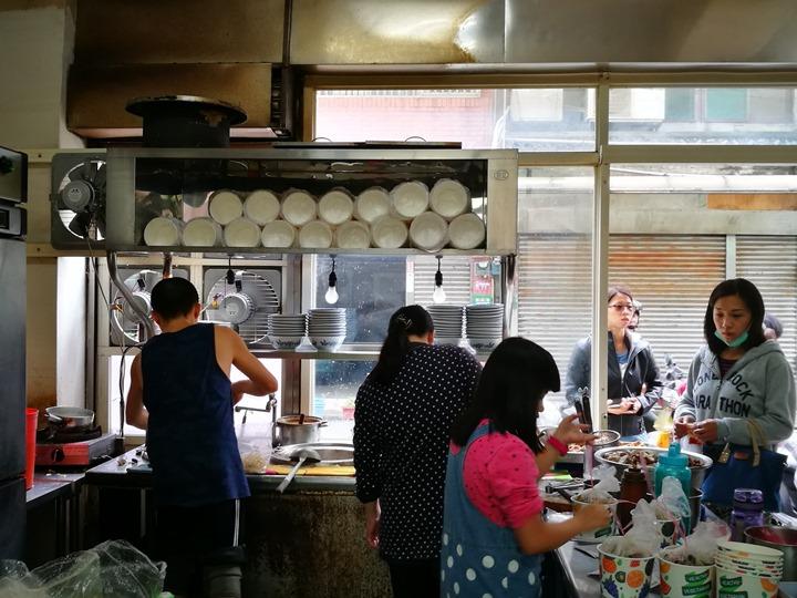 goodtastenodles04 中壢-好滋味麵館 蛤蠣爆多大滿足的海鮮拉麵與蛤蠣湯
