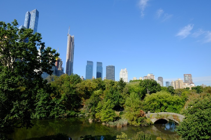 33centralpark01 New York-果真大蘋果之紐約真好玩 中央公園 躺著曬太陽也愜意的好所在