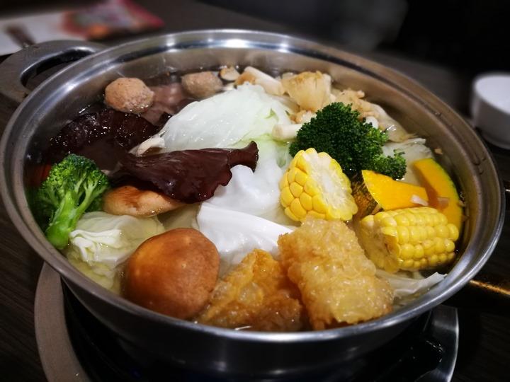taiwanbeeff08 中壢-番那疆 台灣牛涮一下就好吃
