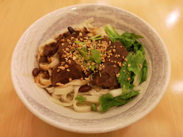 dongchia3 竹北-東家製麵 番茄牛腩麵跟乾拌麵各有特色