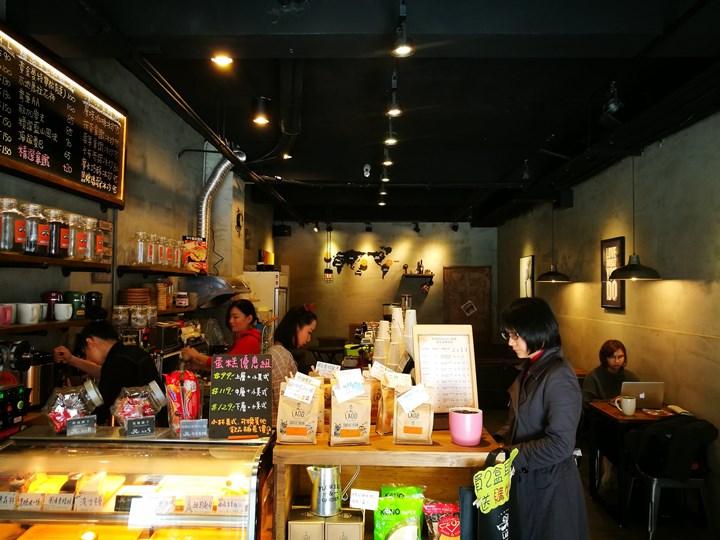 laooo05 中壢-老窩咖啡(站前23) 工業中帶著溫暖的空間
