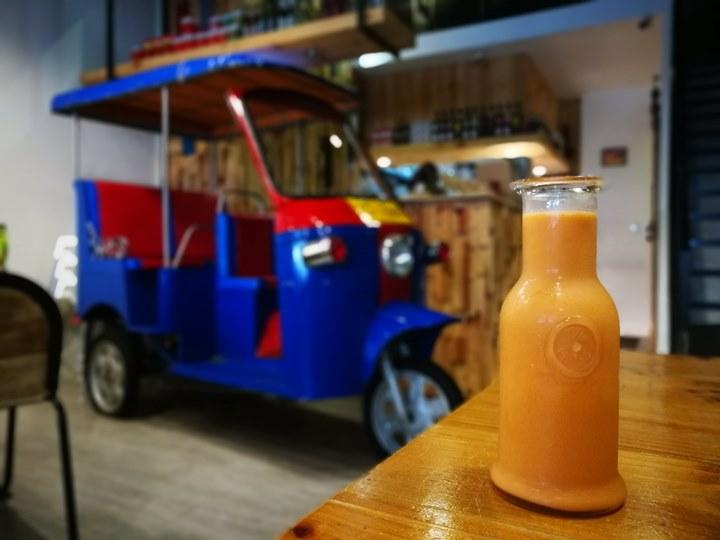 tuktuk15 中壢-圖圖咖啡館 嘟嘟車坐鎮 泰式風味咖啡館