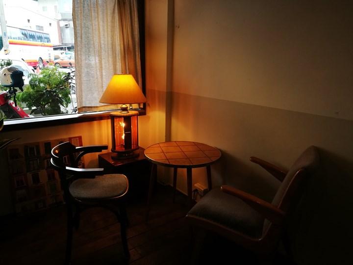 homework11 桃園-習作咖啡部 一人咖啡館 輕鬆愜意環境舒適