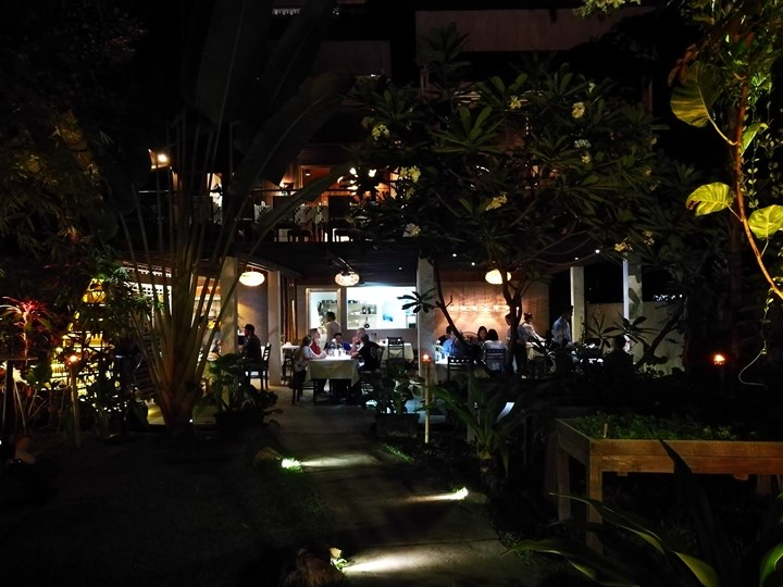 miecafe03 Siem Reap-Mie Cafe暹粒市區高棉式建築 改良式的高棉料理 氣氛一級棒