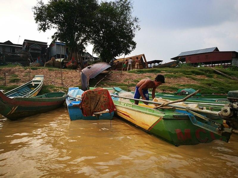 tonlesap10 Siem Reap-Tonle Sap洞里薩湖 柬埔寨的魚米鄉 落後環境中的知足生活
