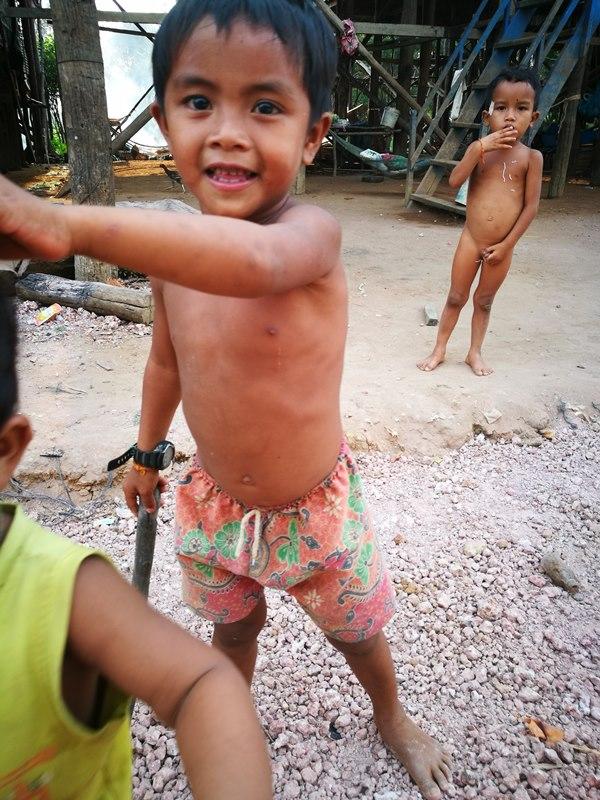 tonlesap22 Siem Reap-Tonle Sap洞里薩湖 柬埔寨的魚米鄉 落後環境中的知足生活