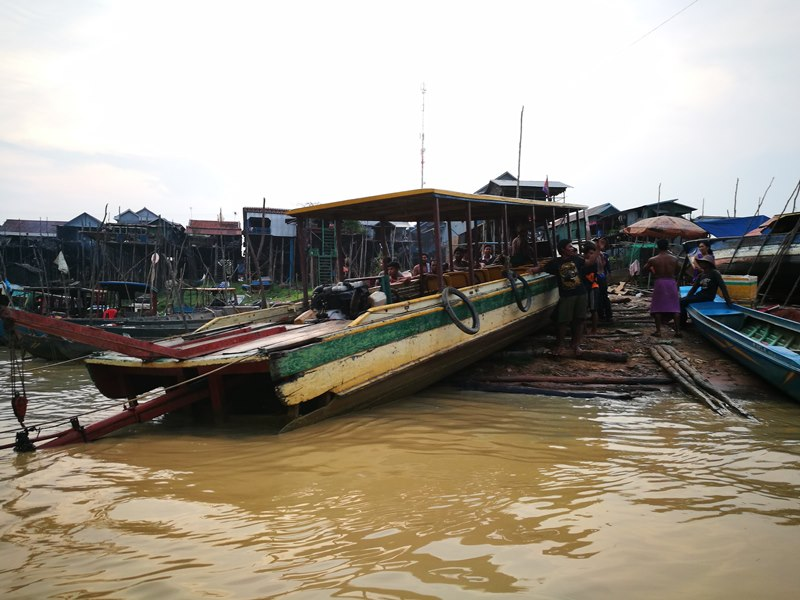 tonlesap48 Siem Reap-Tonle Sap洞里薩湖 柬埔寨的魚米鄉 落後環境中的知足生活