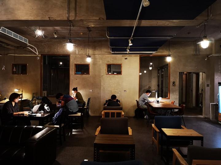 dawncafe11 新竹-續日Cafe 低調靜謐的工業風 清爽細緻的單品咖啡