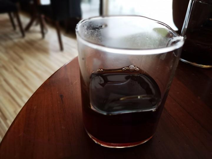 ladybug10 頭份-星語瓢蟲咖啡 艷陽天冷氣房的冰手沖