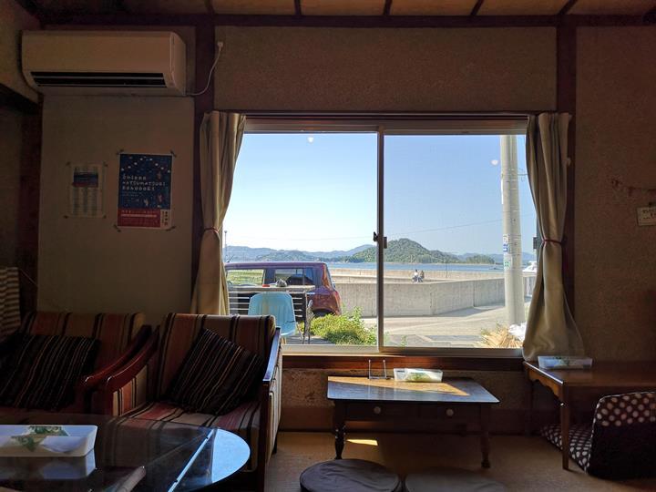 konichiwa10 Naoshima-Cafe Konichiwa直島本村港旁 可愛海景咖啡館