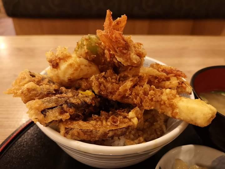 tenkichiya0713 新竹-天吉屋(巨城店) 天丼名店 爽口不油膩的炸物
