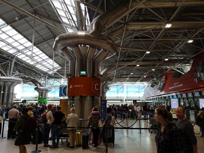 flytp02 201810葡萄牙航空TP364只能說網路說的都是真的...只有delay還是delay