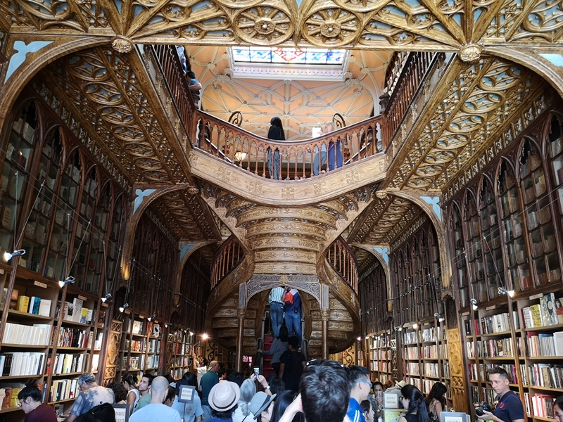bookstore02 Porto-Livraria Lello波多 世界最美書店之一 JK羅琳加持的波多必遊景點
