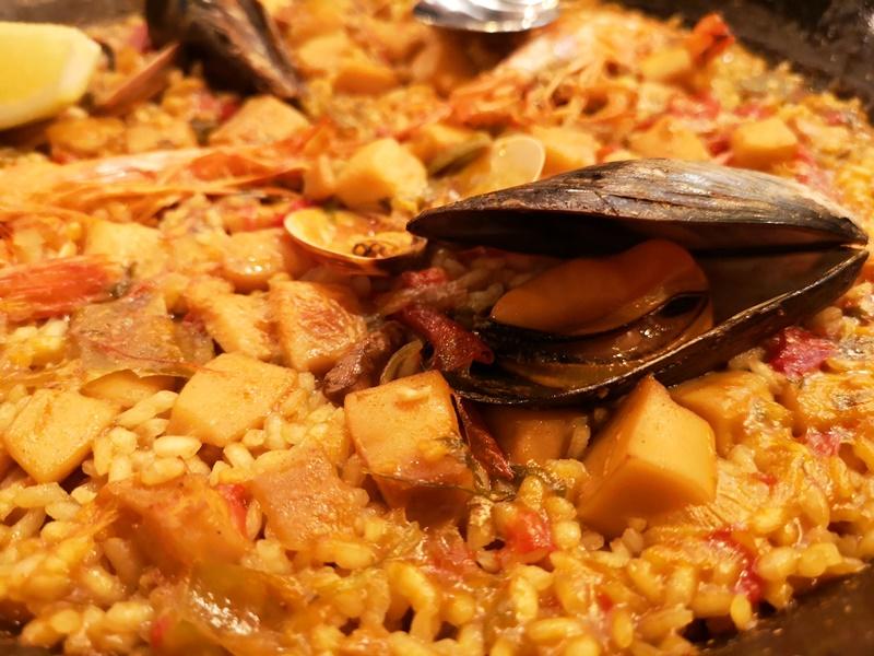 colors9 Barcelona-巴塞隆納Colors來一份海鮮燉飯吧!