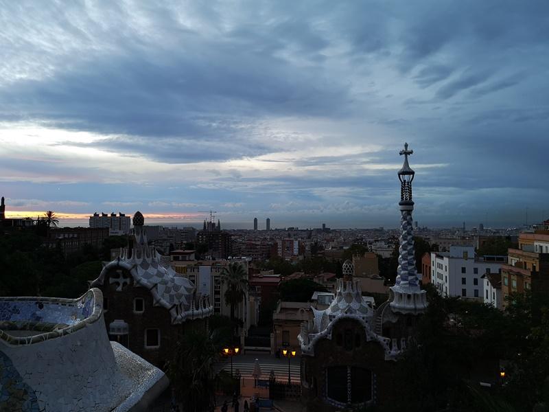 guellparkk01 Barcelona-巴塞隆納世界文化遺產  高第建築奎爾公園馬賽克蜥蜴太吸睛