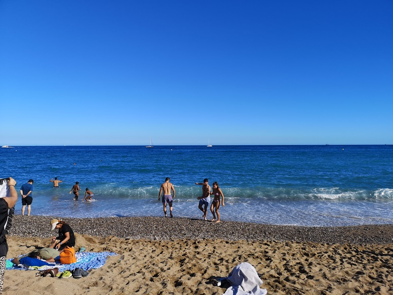 barcelonabeach11 Barcelona-嗨!地中海你好!! 巴塞隆納海岸Platja de la Barceloneta 海天一線超美