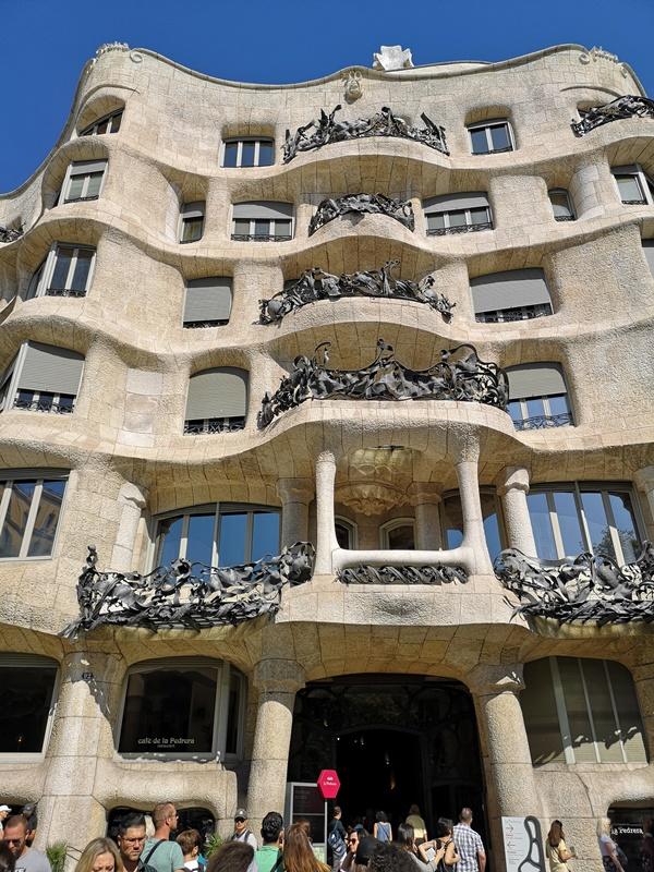 casamila03 Barcelona-巴塞隆納世界文化遺產 高第建築米拉之家 來自外星的設計
