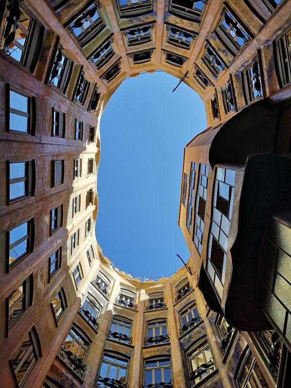 casamila09 Barcelona-巴塞隆納世界文化遺產 高第建築米拉之家 來自外星的設計