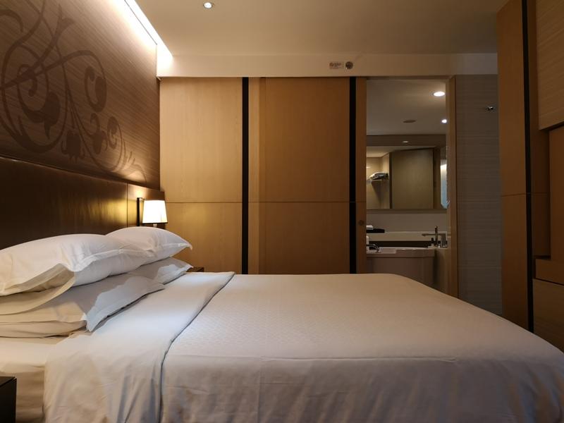 4PBKK19 Bangkok-曼谷Four Points商務飯店(曼谷福朋喜來登酒店-素坤逸15) 套房也簡單舒適