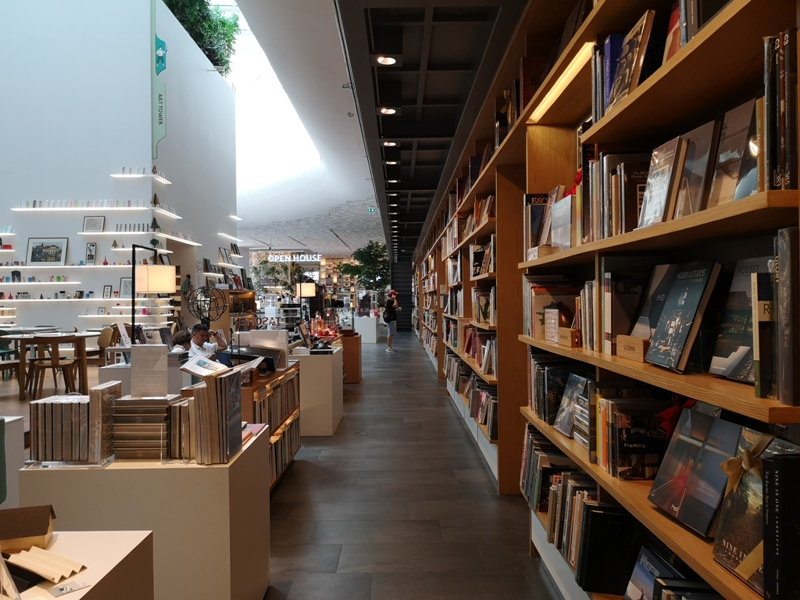 openhouse09 Bangkok-曼谷精品百貨Central Embassy最美的書店Open House