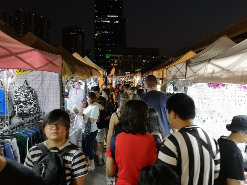ratchadanightmarket18 Bangkok-拉差達火車夜市Train Night Market Ratchada 交通方便好吃好逛好買