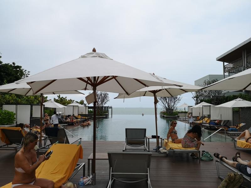 renaissancepattaya6162 Pattaya-Renaissance Pattaya Resort & Spa芭達雅萬麗 悠閒度假無邊際游泳池好舒爽