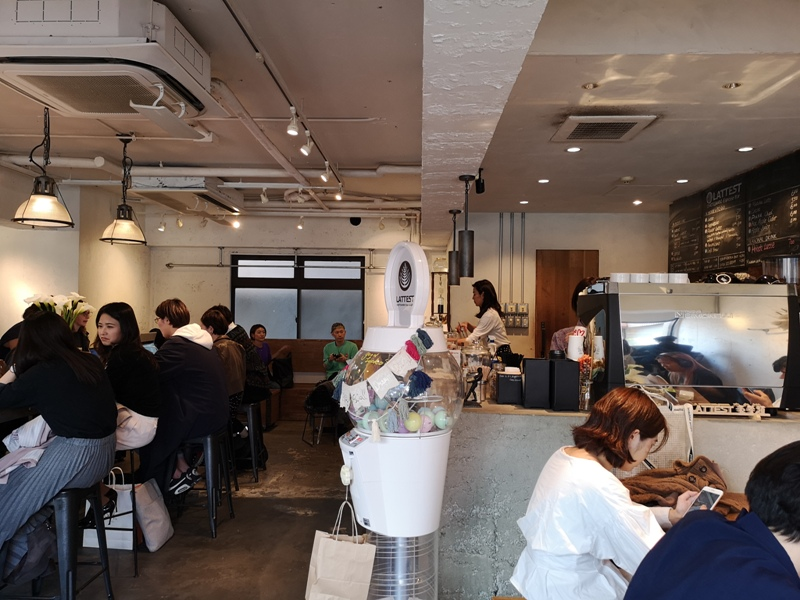 lattestcofffee06 Omotesando-Lattest Espressso Bar表參道小巷內超多可愛小店...走累了來杯拿鐵