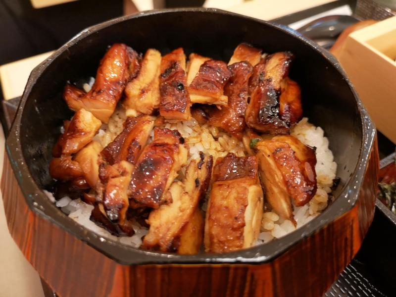 sanwa8 信義-雞三和(統一時代百貨) 親子丼滑嫩爽口 湯頭清爽好搭配