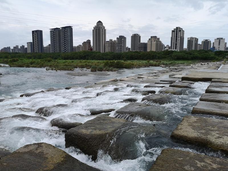 tofurockkk5 新竹-豆腐岩 頭前溪上水聲潺潺的IG熱點